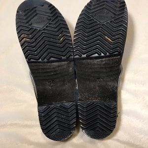 039993ed6c1 {Cape Clogs} black low heel leather clogs mules